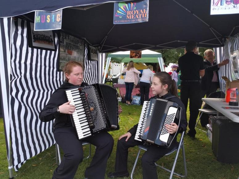 RMAO Tent and Masterson sister perform at Duleek Fair 2016